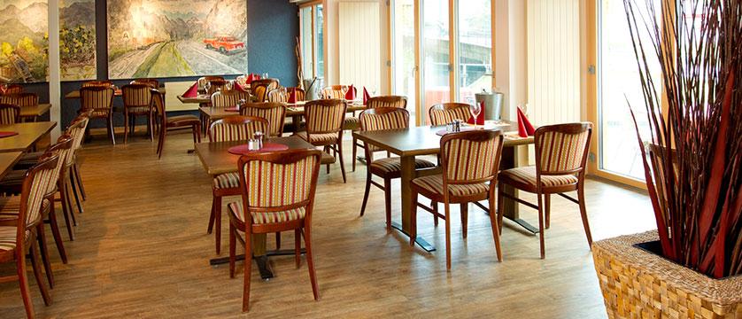 Hotel Silberhorn, Wengen, Bernese Oberland, Switzerland - restaurant interior.jpg